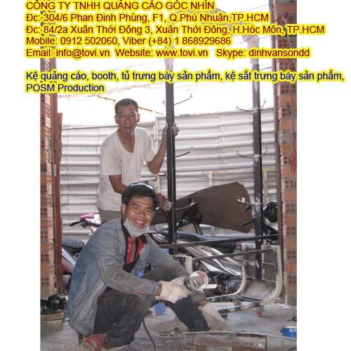 Quá trình sản xuất: booth, tủ trưng bày sản phẩm, kệ sắt trưng bày sản phẩm